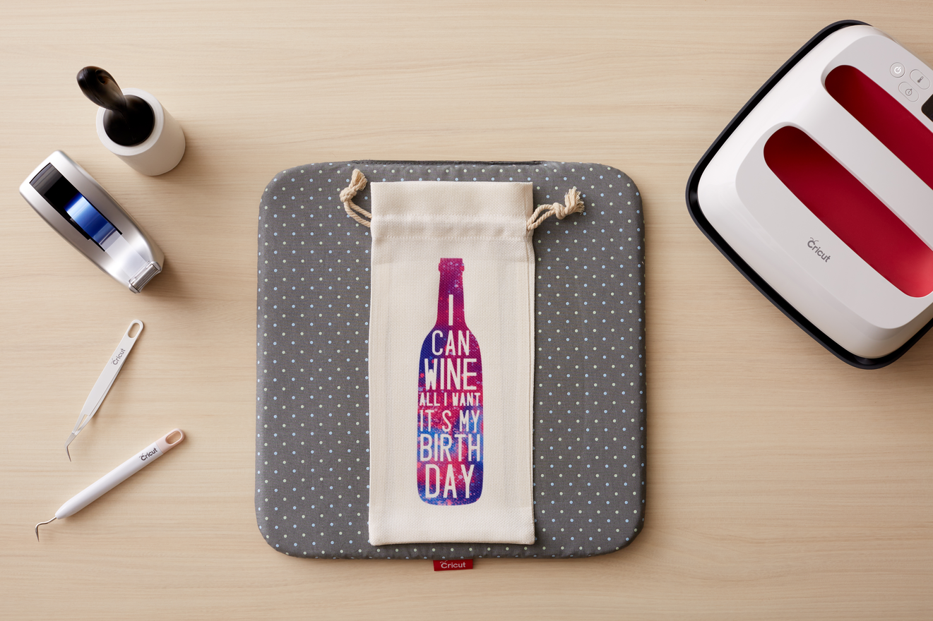 504018-Infusible_Ink_Wine_Bag_Step_Out_010-Wine_Bottle-2584.png